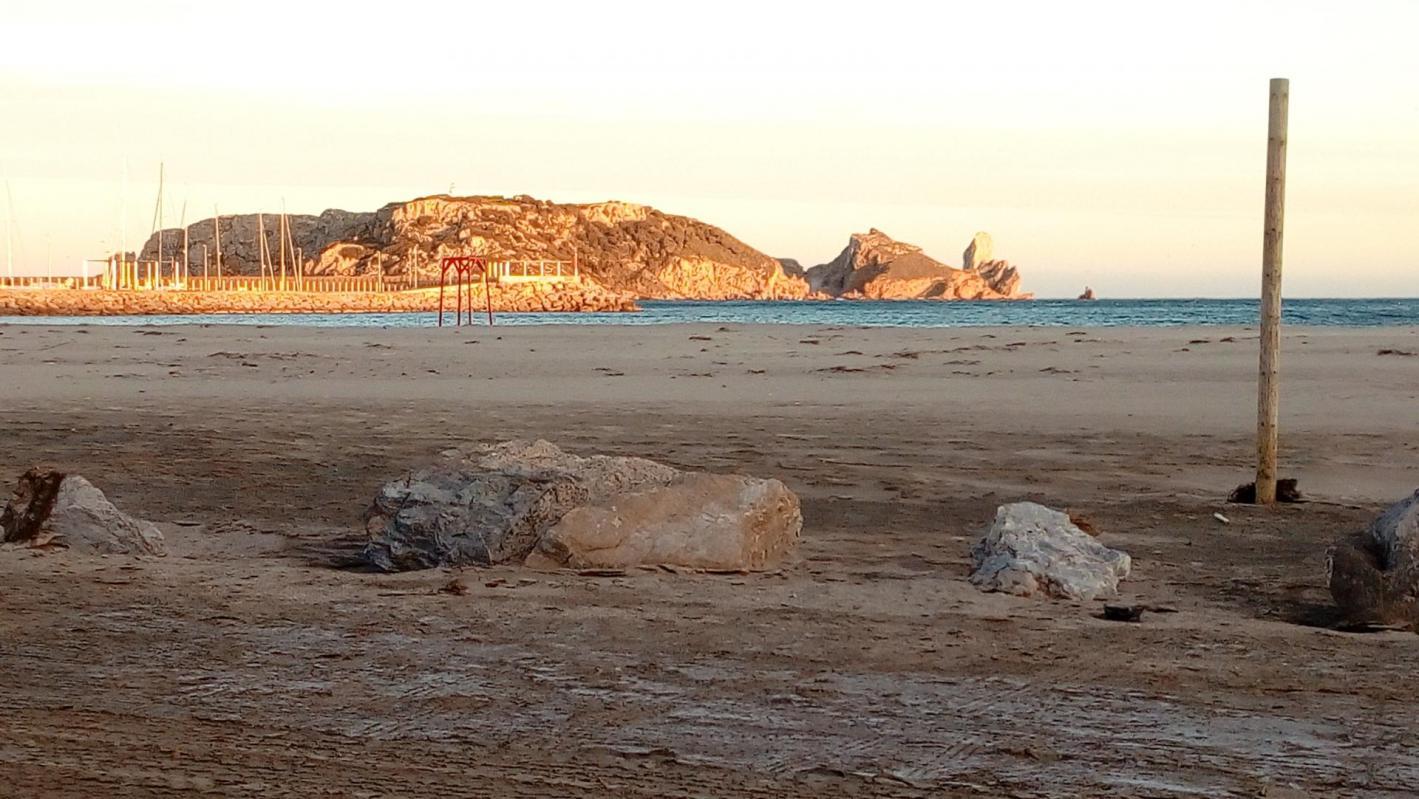 Estartit platja barreja terra sorra