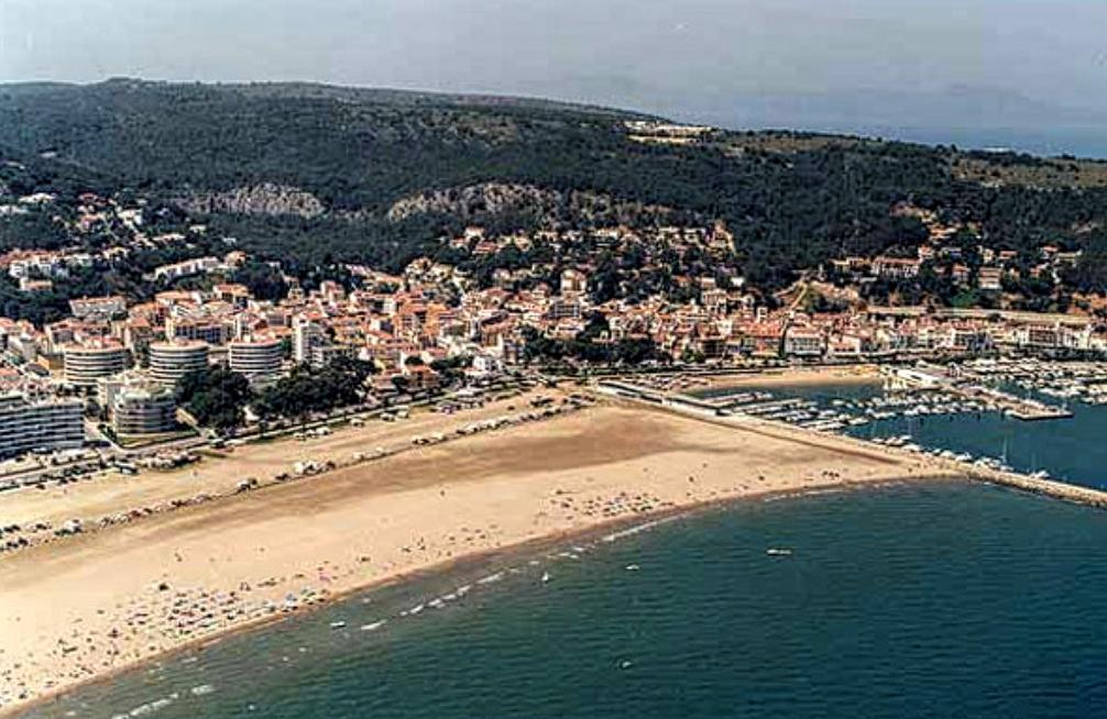 Estartit strand beach